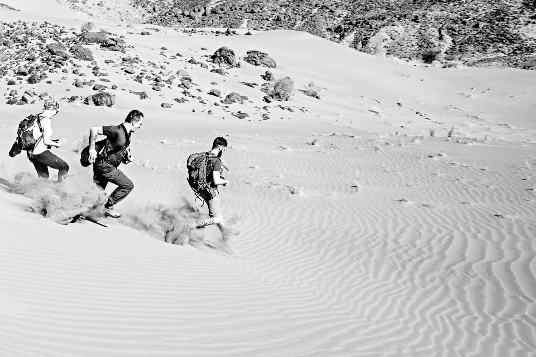 Courir dans les dunes au Maroc