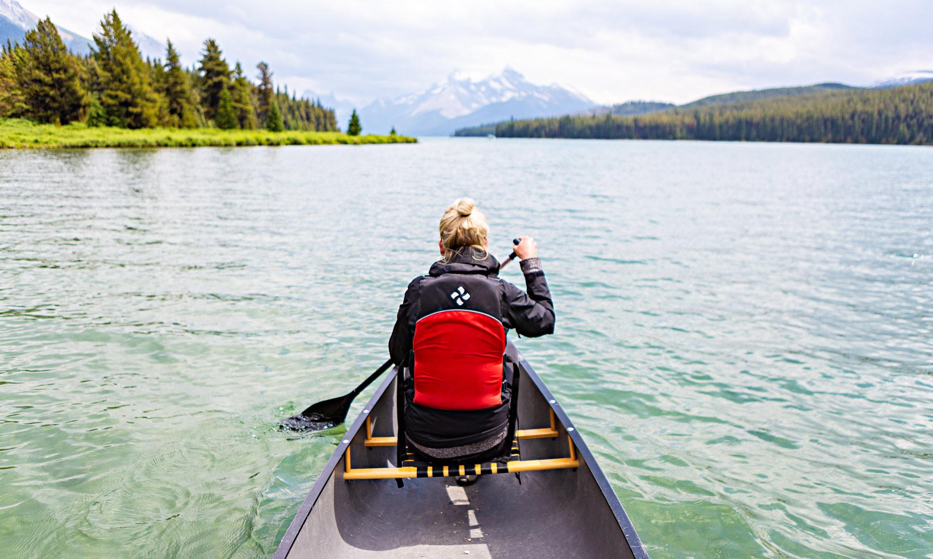 Canoë lac Maligne Jasper Alberta Canada
