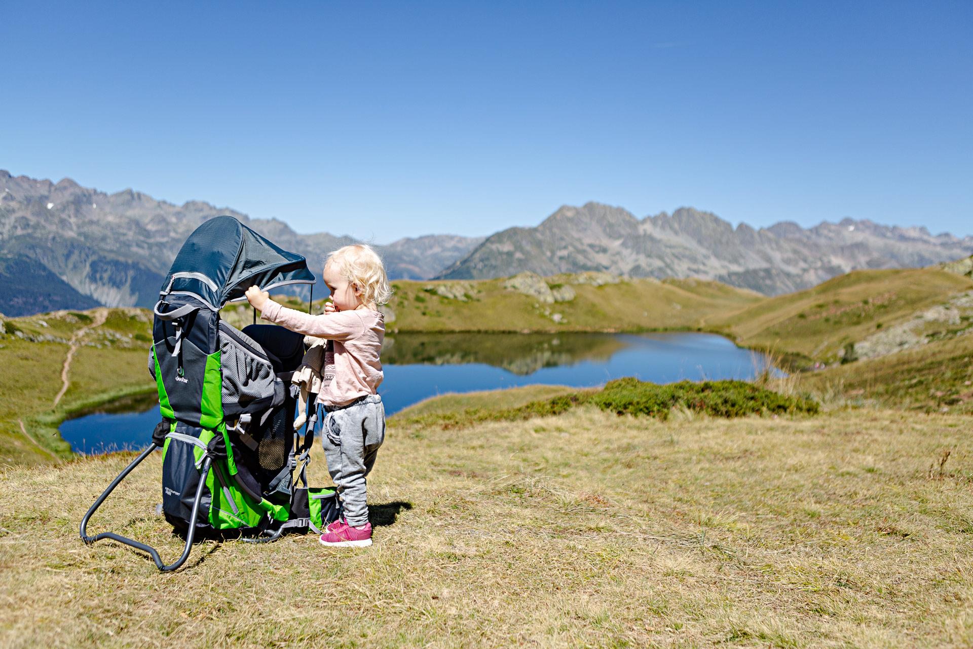 Test porte-bébé rando dans les Alpes