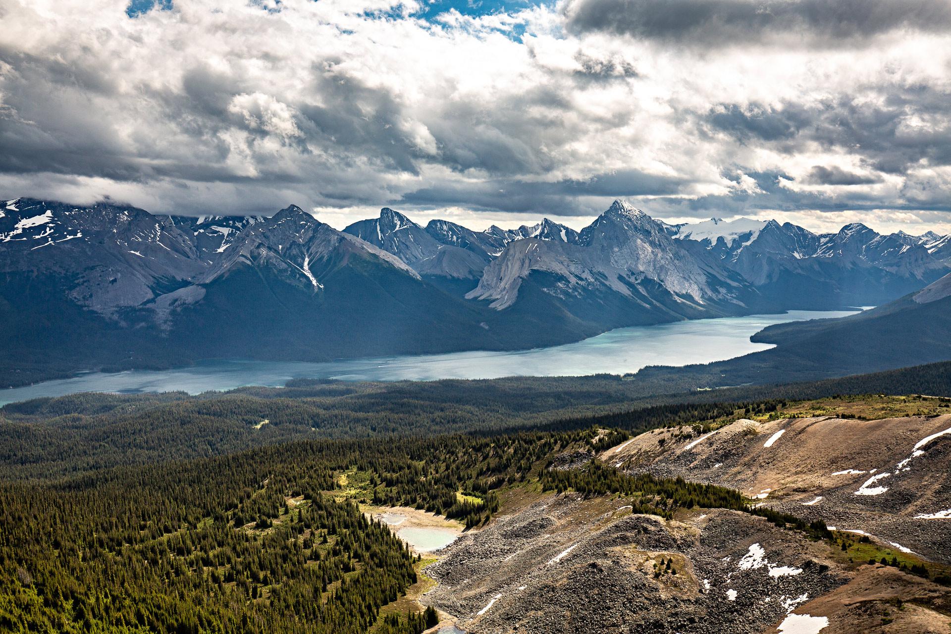 Lac Maligne Bald Hills Jasper Canada