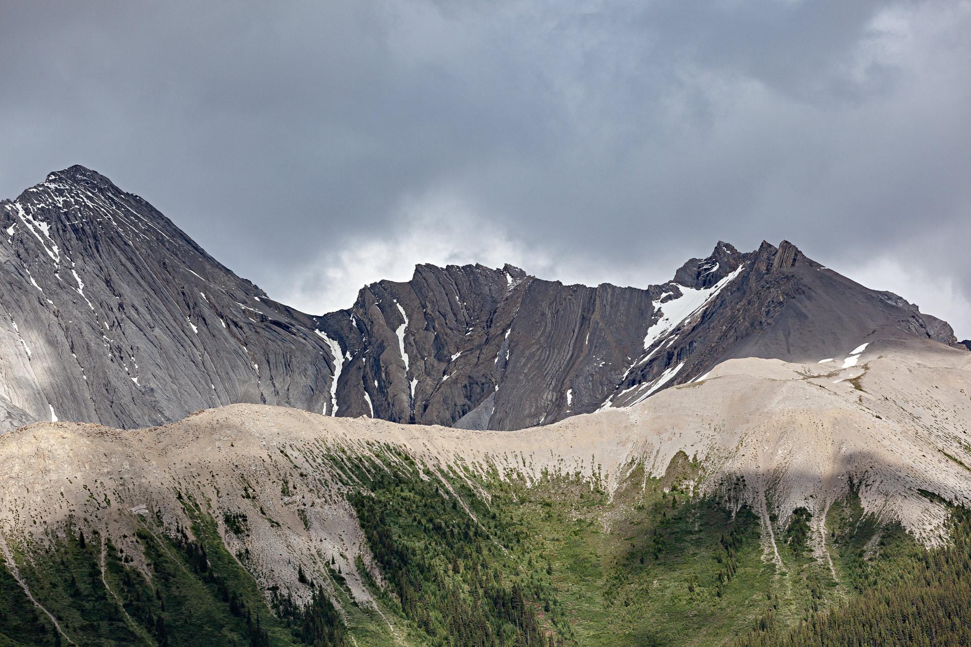Montagnes lac Maligne Jasper Canada